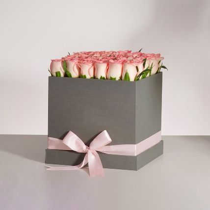 Premium Pink Roses Box Arrangement: Send Gifts to Bahrain