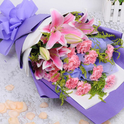 Shades Of Pink Florals: Send Gifts To China