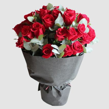 Romantic Red Roses Bouquet: Mothers Day Gifts in Egypt