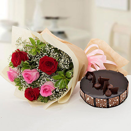 Beautiful Roses Bouquet With Chocolate Cake KT: Flower Delivery Kuwait