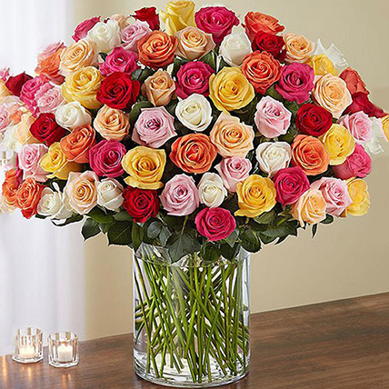 Bunch of 100 Mixed Roses In Glass Vase: Flower Delivery in Abu Dhabi