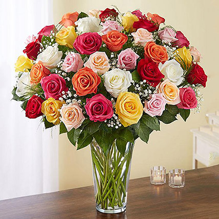 Bunch of 50 Assorted Roses In Glass Vase: Flowers Delivery Fujairah