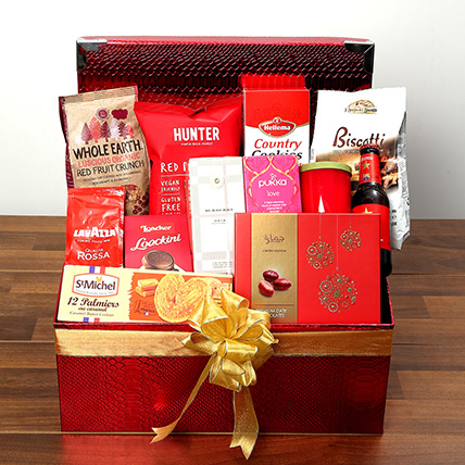 Chocolate and Flavored Tea Hamper: Valentine Gift Hampers for Wife
