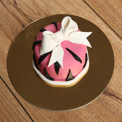Designer Bow Mono Cake: Mono Cakes