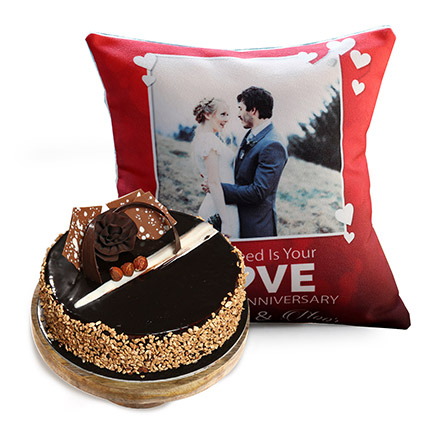 Love Anniversary Cushion and Rose Noir Cake: Anniversary Cakes to Abu Dhabi