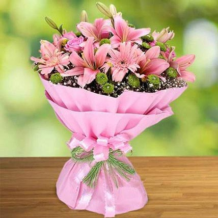 Pink Beauty: Hug Day Flowers