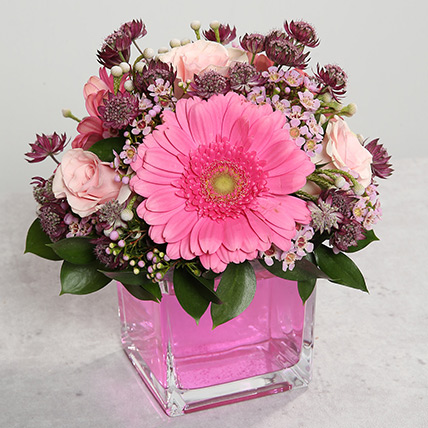 Pink Gerberas and Roses Arrangement: Flowers Delivery Fujairah