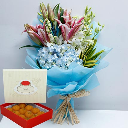 Pretty Flowers Bunch and Motichoor Laddoo Combo: Flowers & Sweets