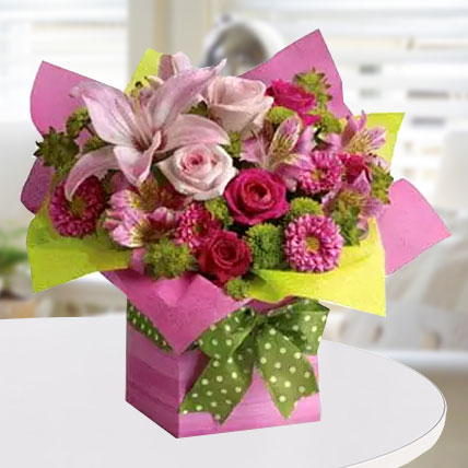 Pretty Pink Present: Flower Delivery In Dubai