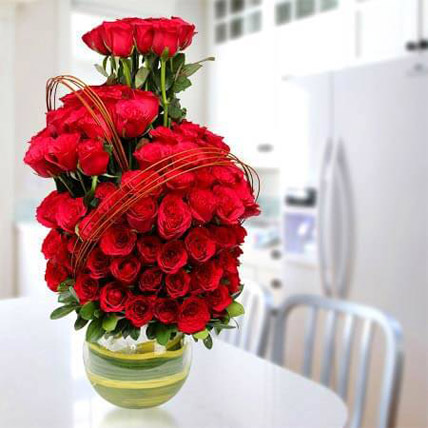 Romantic Arrangement: Flower Delivery in Abu Dhabi