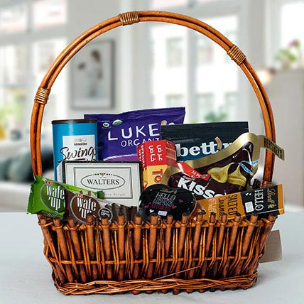 Small Basket Chocolate Wonder: Birthday Gifts for Friend