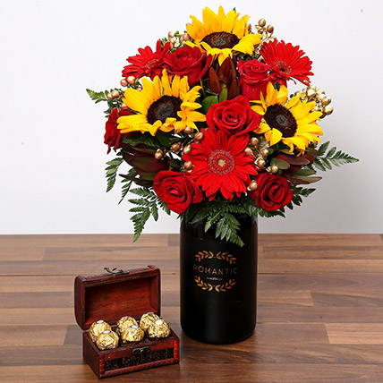 Sunlower and Roses With Chocolates: Gifts Combos