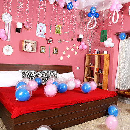 The Baby Shower with Blue Pink N White Balloons: Balloon Decorations