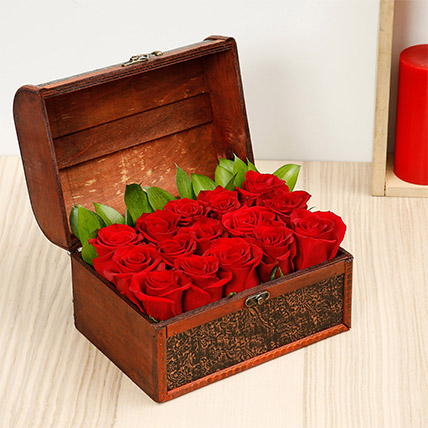 Treasured Roses: Anniversary Gifts for Parents