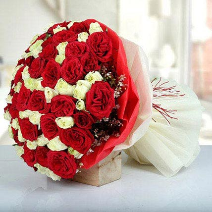 Bunch Of Red N White Roses: Order Flowers