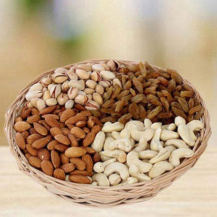 Crunchy Munching: Dry Fruits