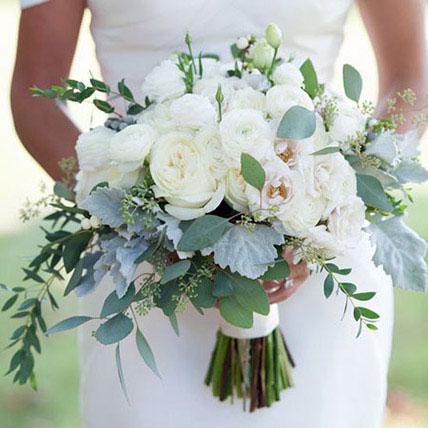 Alluring Bridal Bouquet: Wedding Bouquets
