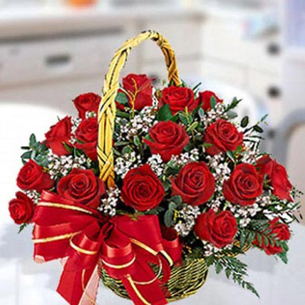 30 Red Roses Arrangement: Valentine Flowers to Al Ain
