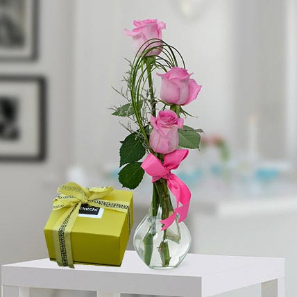 Pink Roses and Patchi Chocolate Combo: Send Chocolates in Al Ain