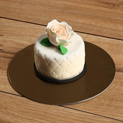 Designer Flavored Mono Cake: Cakes for Girls