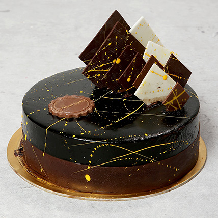 The Noir: Cake Delivery in Fujairah