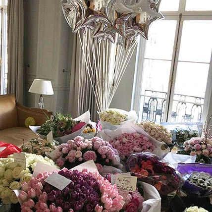 600 Mixed Flowers and Balloon Arrangement: Order Christmas Party Supplies