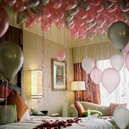 75 Helium Balloons and Rose Petals Surprise: Party Supplies
