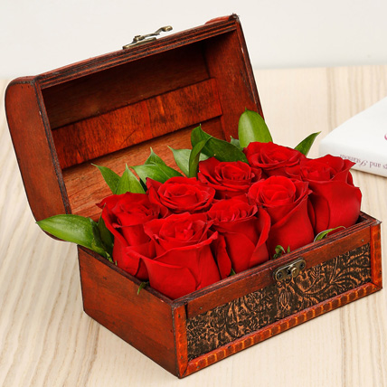 Passionate 8 Red Roses Box: Flower Box Dubai