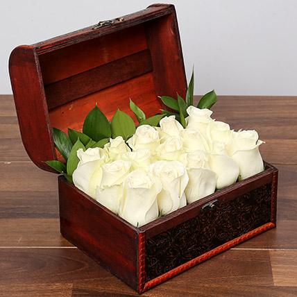 White Serene beauty: Order Flowers