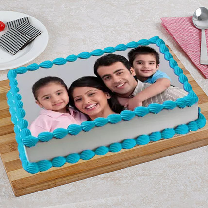 Tempting Photo Cake: Anniversary Cake with Photo & Name