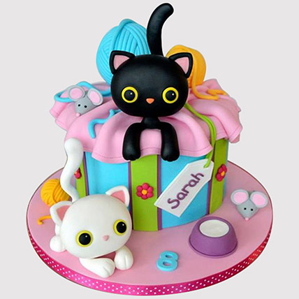 Playing Cats Cake: Butterfly Theme Cakes