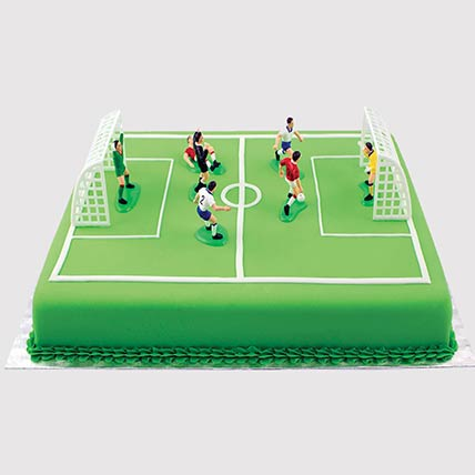 Playing Football Cake: Football Cake