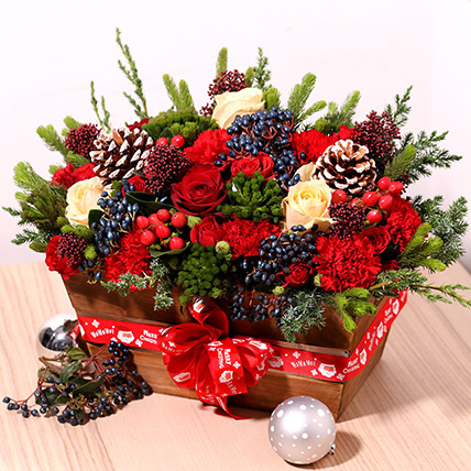 Christmas Special Flower Arrangement: Christmas Flowers Delivery in Sharjah