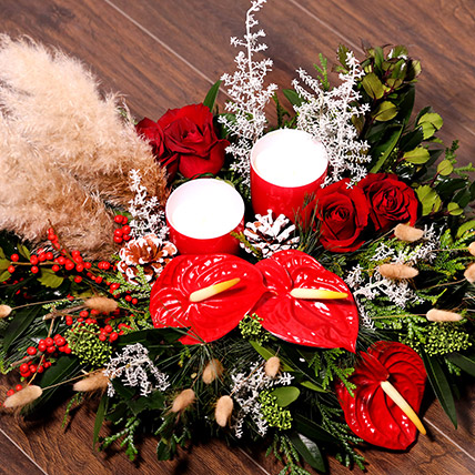 Xmas Special Center Table Flowers: Christmas Flowers to Sharjah
