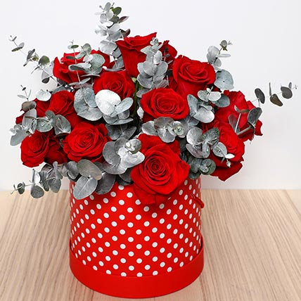 Beautiful Red Roses Box: Valentine Day Gifts For Girlfriend