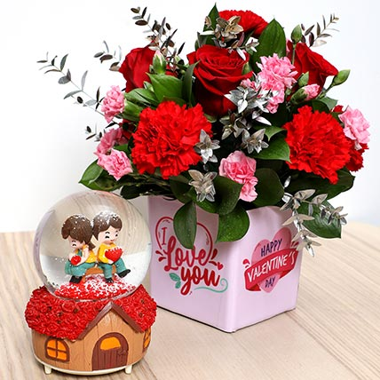 Valentines Flower Vase and Musical Idol: Valentine Gift Hampers to Ajman