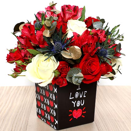 Love You Flower Vase: Valentines Day Flower Arrangements
