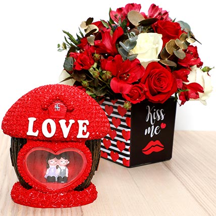 Romantic Flowers and Couple Idol: Valentines Day Gifts For Him