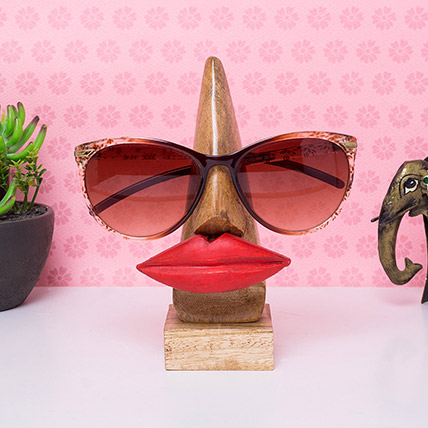Lip Shaped Eyeglass Holder:
