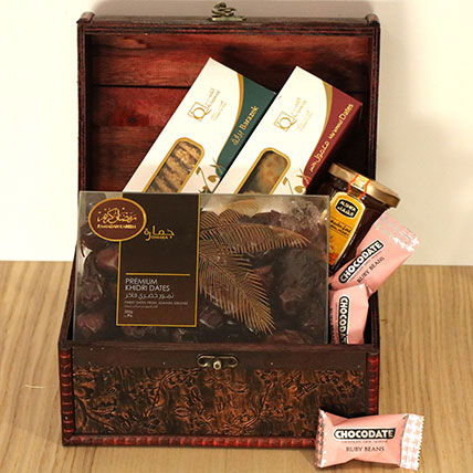 Classic Treasured Box Hamper: Eid Gift Hampers