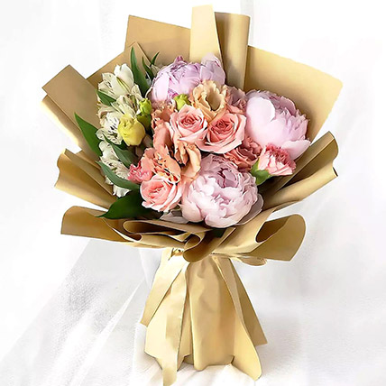 Pink Elegance Bouquet: Flower Delivery in Abu Dhabi