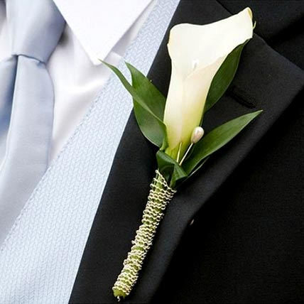 Elegant Calla Lily boutonniere: Floral Jewellery