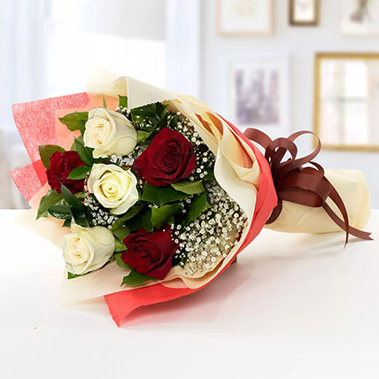 Beauty of Red n White Roses: Bouquet of Roses