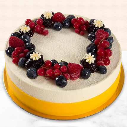 Yummy Vanilla Berry Delight Cake: