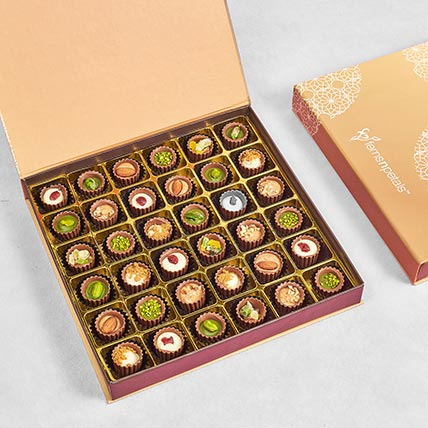 Flavoured Chocolate Cups Large Box: Chocolates For Anniversary