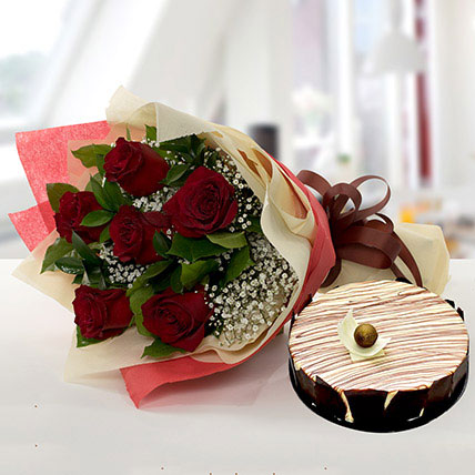 Enchanting Rose Bouquet With Marble Cake QT: Cake Delivery in Qatar