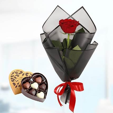 Red Rose Black Wrap & Godiva Chocolates: Send Flowers N Chocolates to Qatar