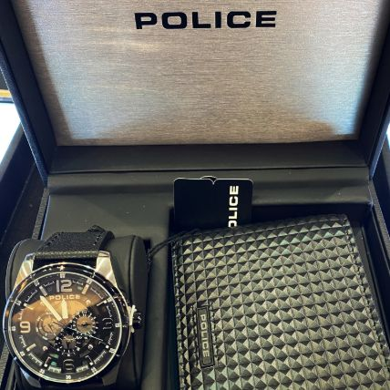 Set Of Police Wallet & Watch: Gift Delivery in Qatar