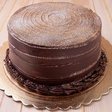 12 Portion Chocolate Fudge Cake: Gift Delivery Jeddah