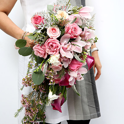 Mixed Roses and Calla Lilies Bouquet SG: Flower Delivery Singapore